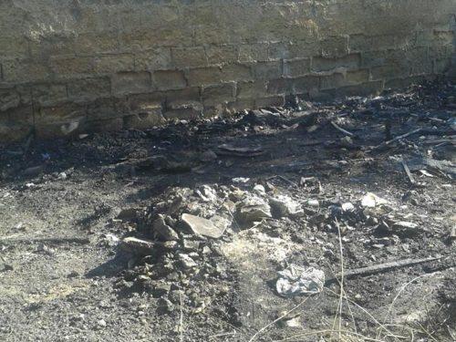 Foto Album: Incendiata discarica via Altarello