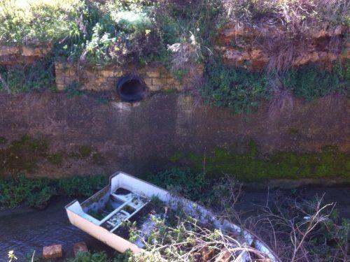 Canale di via Badame, crolla un tratto di argine