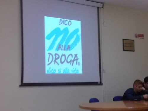 """""""Progetto da sballo"""" contro le dipendenze, gli studenti salgono in cattedra"""