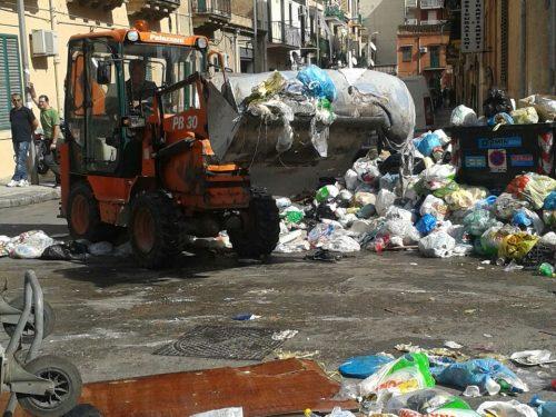 Via Cuba ripulita dai rifiuti, Botta e risposta tra Moncada e Marino