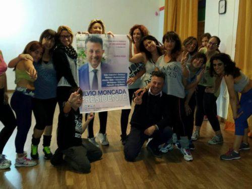 Il gruppo Zumba dell'Associazione Crisalide a sostegno di Silvio Moncada Presidente